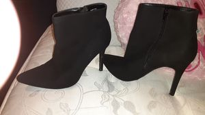 Size 10 in boots for Sale in Princeton, NC