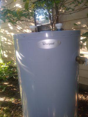 40 gal energy saver whirlpool hot water heater for Sale in Wichita, KS