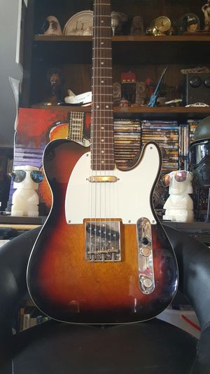 SQUIER CLASSIC VIBE'60S CUSTOM TELECASTER for Sale in Los Angeles, CA