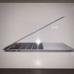 Brand New MacBook Pro (Early 2020 Model, 256gb, Silver Model) for Sale in Avocado Heights, CA