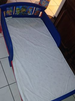 Toddler bed For Sale for Sale in Miami,  FL