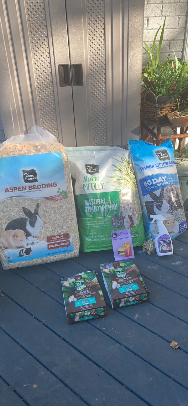 Bedding, toys and food for (Rabbit, hamster, rat, guinea pig)