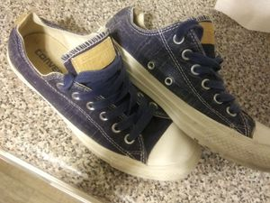 Converse mens size 5 wos 7 for Sale in Lawndale, CA