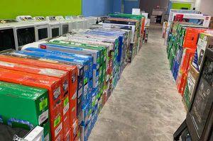 Tv liquidation sale 👍👍👍👍 J00 for Sale in Fontana, CA