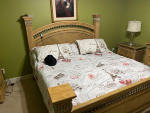 King Size bedroom suite!!! Adjustable bed ready. for Sale in McDonough, GA