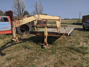 Gooseneck trailer flatbed. for Sale in Keenesburg, CO