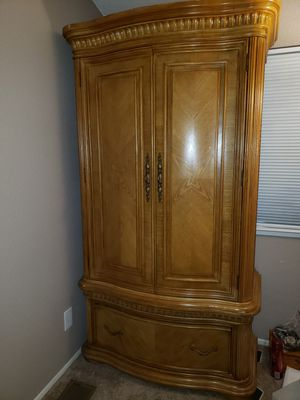 BROYHILL ----- 2 PIECE ARMOIRE + 1 DRESSER for Sale in Sunnyvale, CA