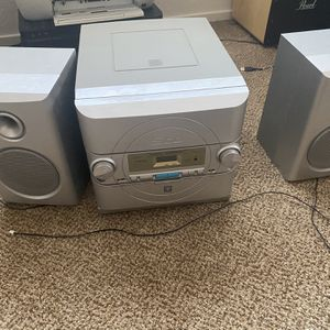 5 Cd Stereo System for Sale in Armona, CA