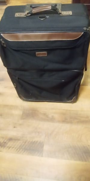 Extra Large Wheeled Luggage for Sale in Minneapolis, MN