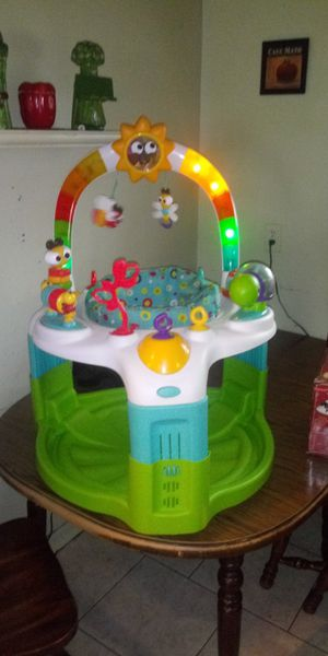 Light up bouncer great condition for Sale in Cleveland, OH