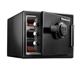 SentrySafe SFW082ET Fire-Resistant Safe and Waterproof Safe with Digital Keypad 0.82 cu. ft. for Sale in Chicago, IL