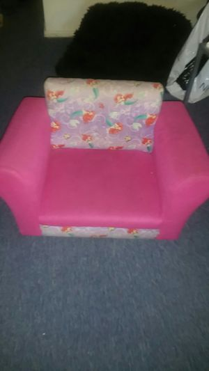 Baby girl chair works good no rips for Sale in Alhambra, CA
