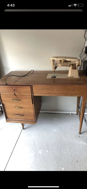 Sewing machine for Sale in Dearborn, MI