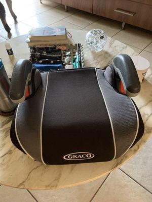 Graco car seat booster. Like new. for Sale in Medley, FL