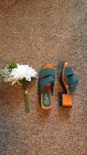 Candie's Wooden Sandals for Sale in Anderson, SC