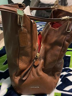 Leather Coach Purse Brown Medium size for Sale in Pacific,  WA