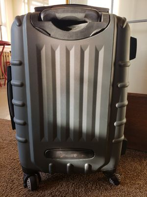 Samsonite Carry-on | 360° Roller Luggage | Hard Shell for Sale in Wenatchee, WA