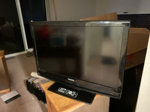 Magnavox 32 inch TV with remote for Sale in Bothell, WA