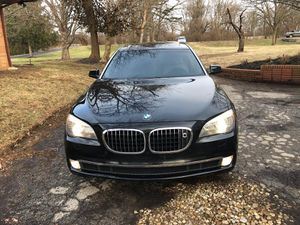 2009 BMW 750 👆 LI Sport package luxury title rebuilt miles 95000 super looking luxury drive sweet , sport package , leather seat , all seat heated se for Sale in Columbus, OH