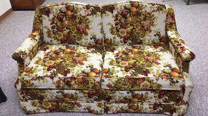 Love seat for Sale in Moundridge, KS