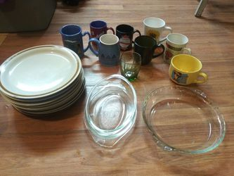 """""""Misc.dishes"""" 9 plates, 9 cups & 3 glass Bakeware for Sale in Channelview,  TX"""