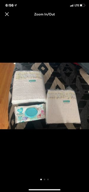 Pampers Swaddlers size 5 for Sale in Huntington Park, CA