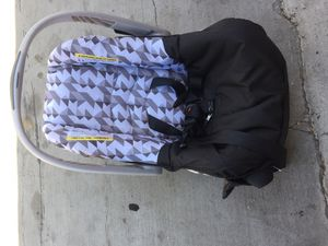 Baby car seat for Sale in Los Angeles, CA