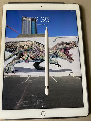 Apple iPad Pro 1st ge 12.9in with ( Wi-Fi + Cellular ) 128GB for Sale in Damascus, OR