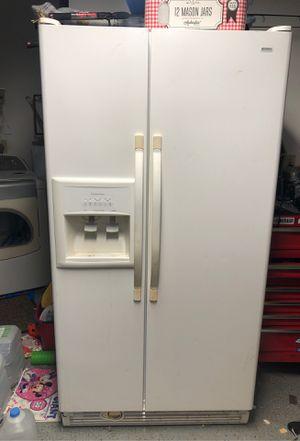 Kenmore side by side refrigerator for Sale in Sunrise, FL