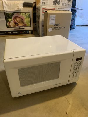 GE Microwave Turntable Oven for Sale in Longmont, CO