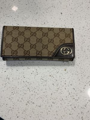 Gucci Continental Wallet for Sale in Dallas, TX