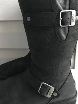 UGG Women's black Boots Leather s/n 1005374 for Sale in Alexandria,  VA
