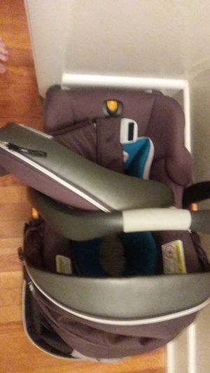 Car seat and stroller combo for Sale in Lowell, MA