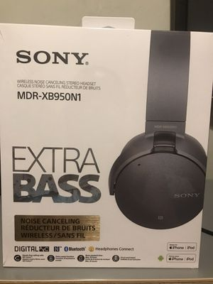 Sony headphones for Sale in Sloan, NV
