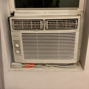 Frigidaire A/C Unit! for Sale in The Bronx, NY