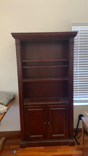 Bookshelf / cabinet for Sale in Chino Hills, CA