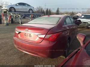 Hyundai Sonata- 4 Cyl for parts- for Sale in Detroit, MI