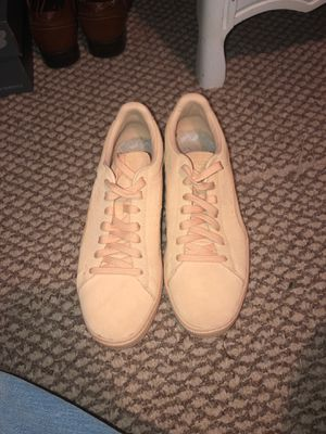 Puma SUEDES (Size US 10 Men) for Sale in Clayton, NC