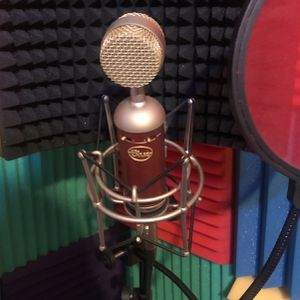 Blue Spark Microphone w/ Stand, Acoustic Shield And 3yr Protection Plan for Sale in El Cajon, CA