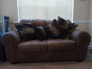Pullout bed Couch,loveseat, & ottoman. Loveseat comes w/ pillows for Sale in Greensboro, NC