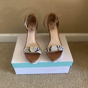 Sandals - Women's Size 9 for Sale in El Dorado Hills, CA