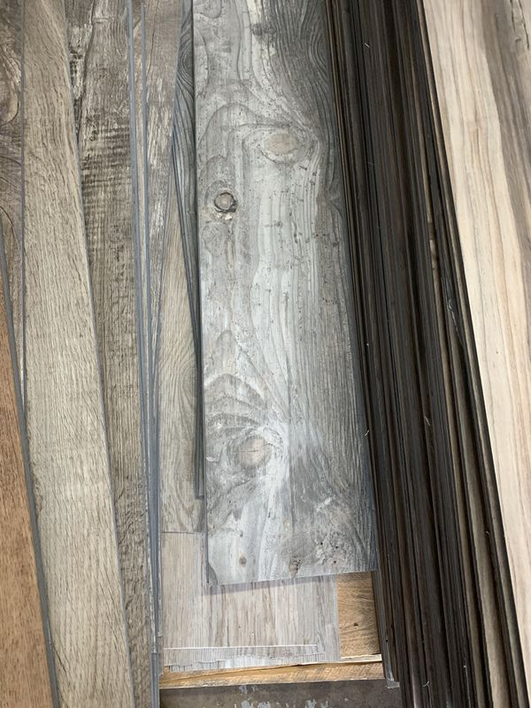 CLICK & LOCK VINYL PLANKS ! $1 per sq ft ! No taxes ! Rubber 1.00$ No pad 1.25 $ PAD UNDERLAYMENT 1.50$ per sq ft ! Best prices out here !