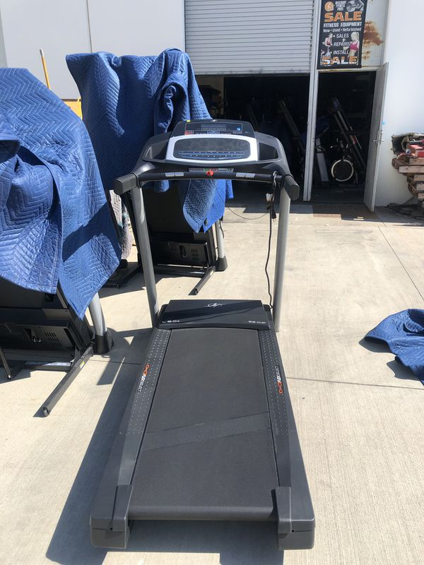 Nordictrack treadmill/ brand new/ incline /ifit