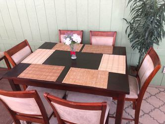 Height Pub Counter 7 Piece Dinning table/comedor for Sale in Norwalk,  CA