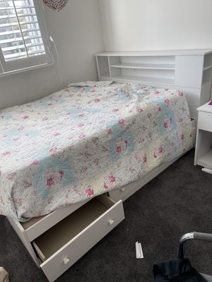 Full size bed with drawers and headboard for Sale in Danville, CA