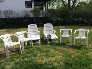 Resin Patio Furniture - New Price for Sale in Brookfield, IL