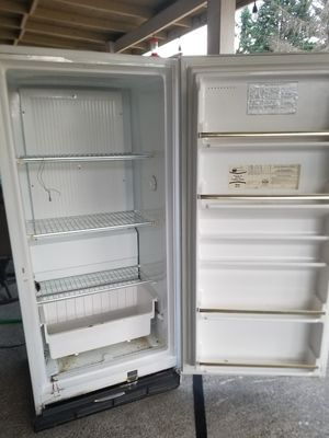 Kenmore 15.2 CU FT frostless freezer for Sale in Roy, WA