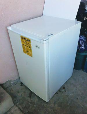 Mini *Full Freezer * Clean* Good .....(SANYO JAPAN) for Sale in Santa Ana, CA