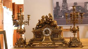 French clock with 2 candelabras runs for Sale in Skokie, IL