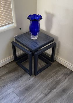 Decorative Wooden Corner/Side Table for Sale in Sylmar,  CA